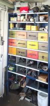 De werkkast met materiaal en gereedschap